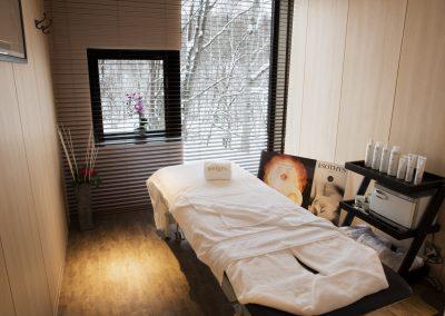 Salon Bed-1